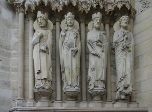 Notre-Dame-de-Paris-portail-sainte-Anne-gauche