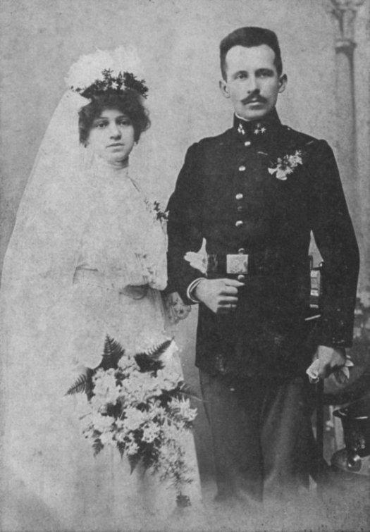 Emilia-Kaczorowska-and-Karol-Wojtyla-wedding-portrait